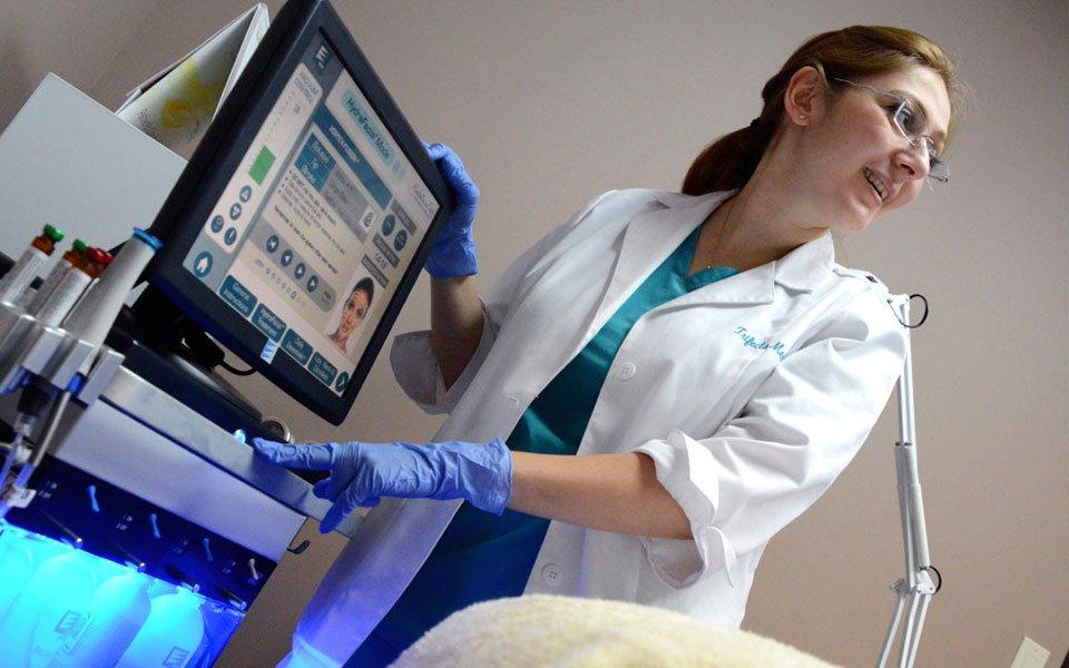 black7 - Процедуры по уходу за кожей: 5 причин попробовать процедуру HydraFacial