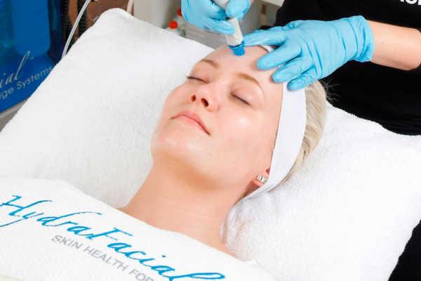 Как быстро подготовить тело и лицо к празднику: 5 классных процедур