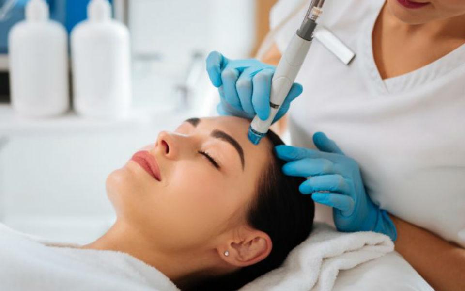 Применение косметологических средств в аппаратной косметологии