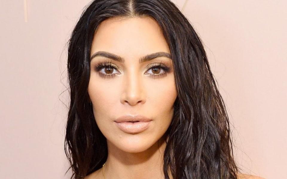 6 любимых бьюти-процедур Ким Кардашьян для идеального лица