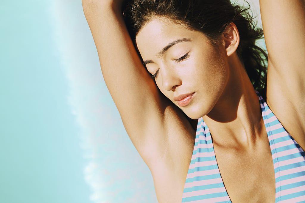 Хватит стареть! Косметолог рассказала об уходе за кожей лица в жаркие дни