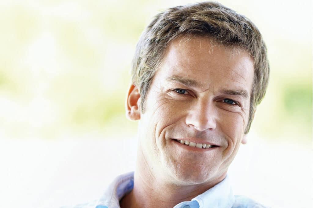 Мужская эстетика: зачем ходить к косметологу и с какой процедуры начать уход за кожей